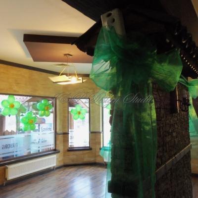 декорация за коледно парти в зелено