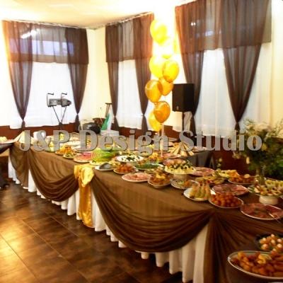 Декорация за празничен коктейл в кафяво и злато