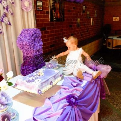 Украса за детски рожден ден в лилаво