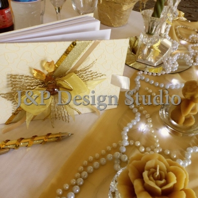 Сватбена декорация в златисто